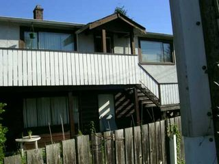Photo 2: 220 MOUNTAIN Highway in North Vancouver: Lynnmour House for sale : MLS®# V613366