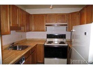 Photo 2:  in VICTORIA: Es Rockheights Condo for sale (Esquimalt)  : MLS®# 354549