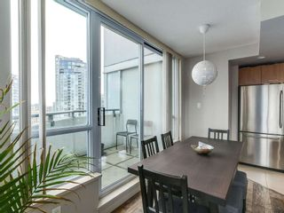 Photo 7: 1801 1212 Howe in Vancouver: Downtown VW Condo for sale (Vancouver West)  : MLS®# R2130353