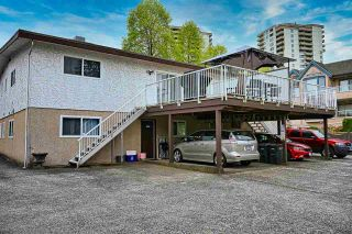 Photo 3: 4235 SARDIS Street in Burnaby: Central Park BS Duplex for sale (Burnaby South)  : MLS®# R2573988