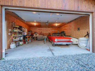 """Photo 11: 13702 CAMP BURLEY Road in Garden Bay: Pender Harbour Egmont House for sale in """"Mixal Lake"""" (Sunshine Coast)  : MLS®# R2485235"""