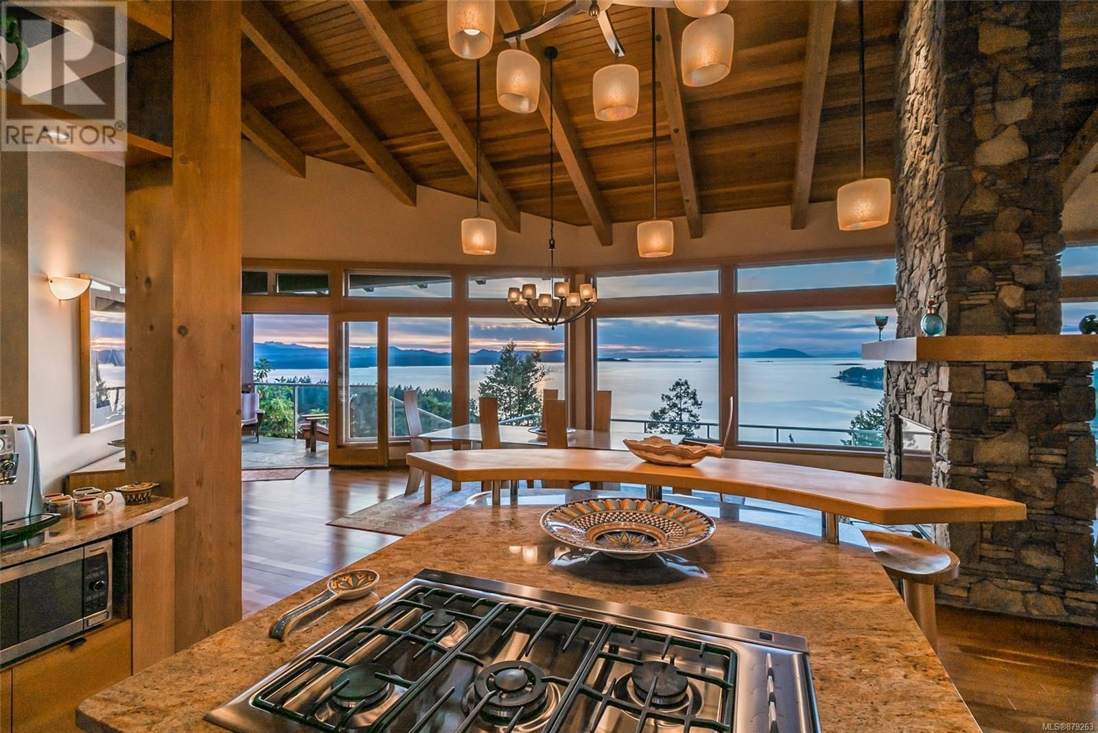 Photo 22: Photos: 825 Duthie Ave in Gabriola Island: House for sale : MLS®# 879263
