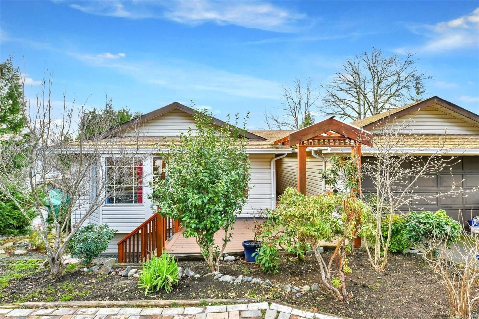 Main Photo: 3280 Jacklin Rd in : La Walfred House for sale (Langford)  : MLS®# 865846