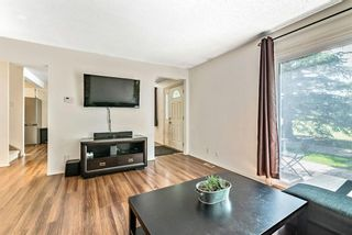 Photo 3: 60 287 SOUTHAMPTON Drive SW in Calgary: Southwood Row/Townhouse for sale : MLS®# A1120108