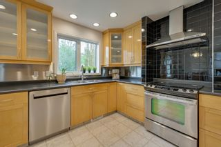 Photo 12: 1011 116 Street in Edmonton: Zone 16 House for sale : MLS®# E4245930