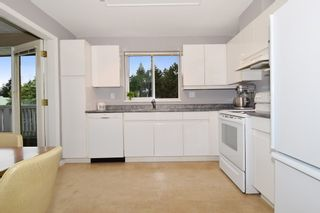 """Photo 9: 312 6745 STATION HILL Court in Burnaby: South Slope Condo for sale in """"THE SALTSPRING"""" (Burnaby South)  : MLS®# R2096788"""