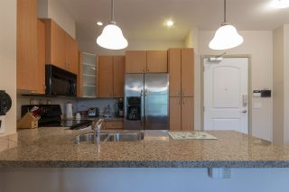 """Photo 7: 404 33485 SOUTH FRASER Way in Abbotsford: Central Abbotsford Condo for sale in """"CITADEL RIDGE"""" : MLS®# R2320305"""