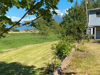 Photo 4: 49155 YALE Road in Chilliwack: East Chilliwack House for sale : MLS®# R2609756