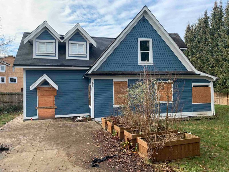 FEATURED LISTING: 46060 REECE Avenue Chilliwack