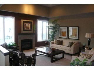 Photo 2: 244 Southview Crescent in Winnipeg: Residential for sale : MLS®# 1120527