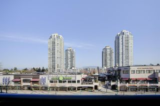 """Photo 15: 501 7225 ACORN Avenue in Burnaby: Highgate Condo for sale in """"AXIS"""" (Burnaby South)  : MLS®# R2447099"""