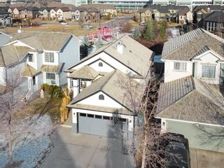 Photo 1: 86 Douglas Glen Circle SE in Calgary: Douglasdale/Glen Detached for sale : MLS®# A1053633