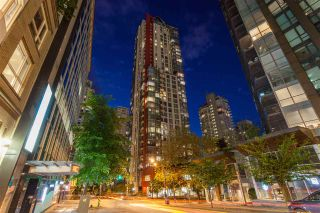 "Photo 1: 504 1211 MELVILLE Street in Vancouver: Coal Harbour Condo for sale in ""THE RITZ"" (Vancouver West)  : MLS®# R2143685"