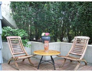 """Photo 3: 106 675 W 7TH Avenue in Vancouver: Fairview VW Condo for sale in """"THE IVY'S"""" (Vancouver West)  : MLS®# V697927"""