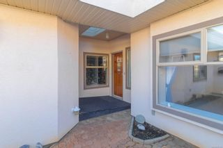 Photo 4: 24 4318 Emily Carr Dr in : SE Broadmead Row/Townhouse for sale (Saanich East)  : MLS®# 867396