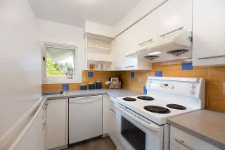"""Photo 11: 4 2017 W 15TH Avenue in Vancouver: Kitsilano Townhouse for sale in """"Upper Kits/ Lower Shaughnessy"""" (Vancouver West)  : MLS®# R2595501"""