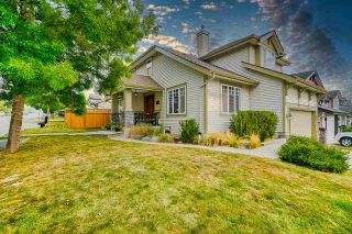 Photo 2: 20609 66 Avenue in Langley: Willoughby Heights House for sale : MLS®# R2497491