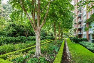 """Photo 20: 701 5615 HAMPTON Place in Vancouver: University VW Condo for sale in """"The Balmoral at Hampton"""" (Vancouver West)  : MLS®# R2195977"""