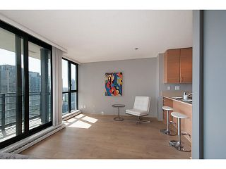 """Photo 2: 2003 909 MAINLAND Street in Vancouver: Yaletown Condo for sale in """"Yaletown Park 2"""" (Vancouver West)  : MLS®# V1079716"""