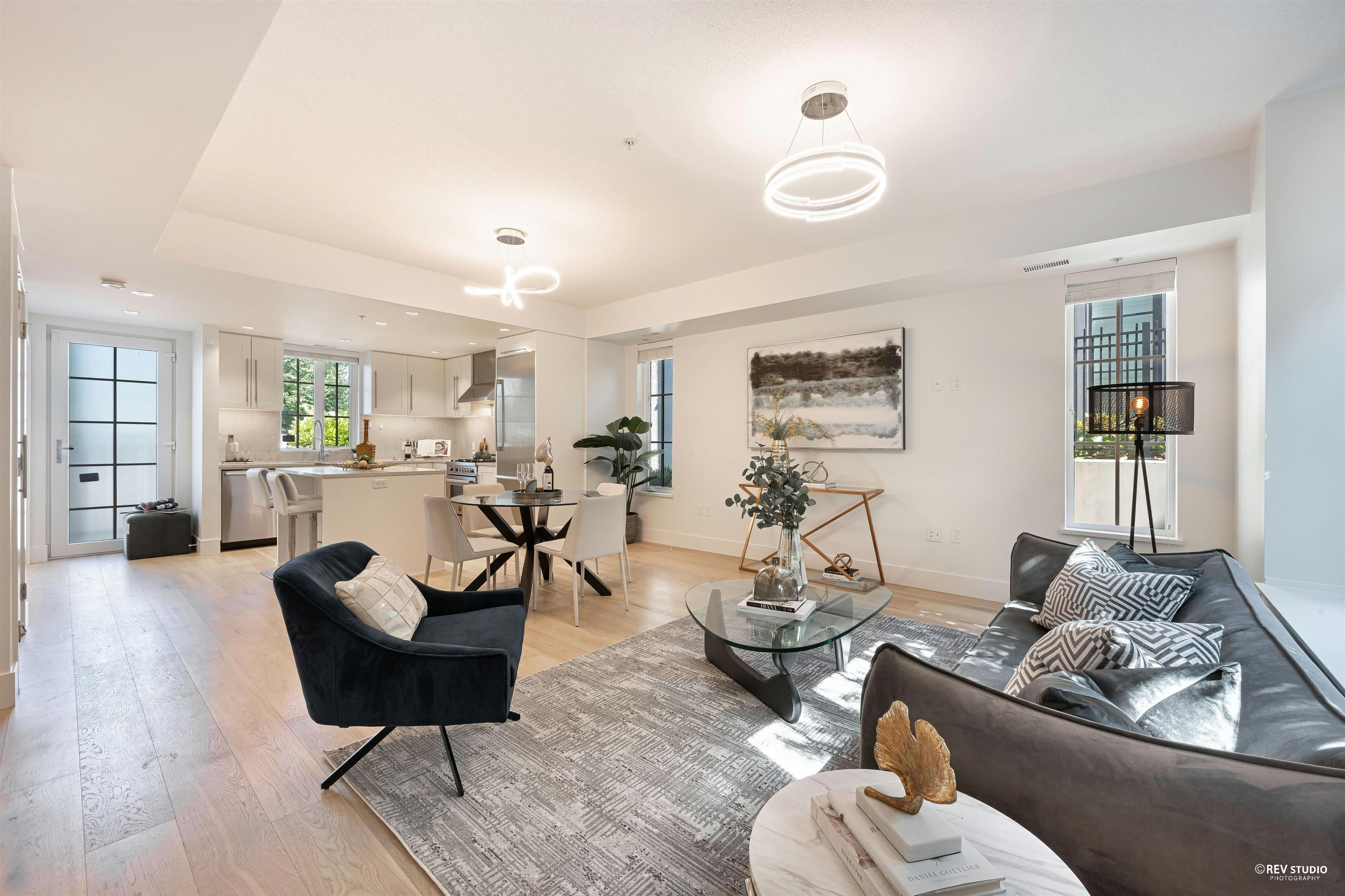 """Main Photo: 7319 GRANVILLE Street in Vancouver: South Granville Townhouse for sale in """"MAISONETTE BY MARCON"""" (Vancouver West)  : MLS®# R2622362"""