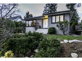 Photo 2: 438 E 17TH ST in North Vancouver: Central Lonsdale House for sale : MLS®# V1102876
