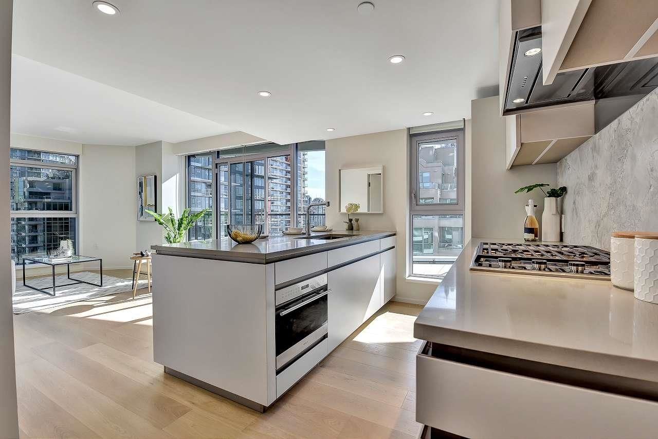 """Main Photo: 1807 889 PACIFIC Street in Vancouver: Downtown VW Condo for sale in """"THE PACIFIC BY GROSVENOR"""" (Vancouver West)  : MLS®# R2621538"""