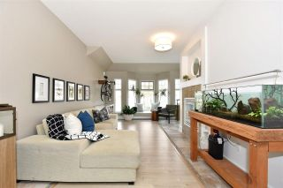 "Photo 12: 402 588 TWELFTH Street in New Westminster: Uptown NW Condo for sale in ""The Regency"" : MLS®# R2242591"