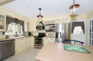 Photo 18: 547 Camelot Drive in Oshawa: Eastdale House (2-Storey) for sale : MLS®# E3315063