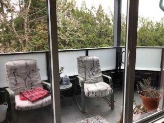 Photo 4: 202 1830 E SOUTHMERE CRESCENT in Surrey: Sunnyside Park Surrey Condo for sale (South Surrey White Rock)  : MLS®# R2561123