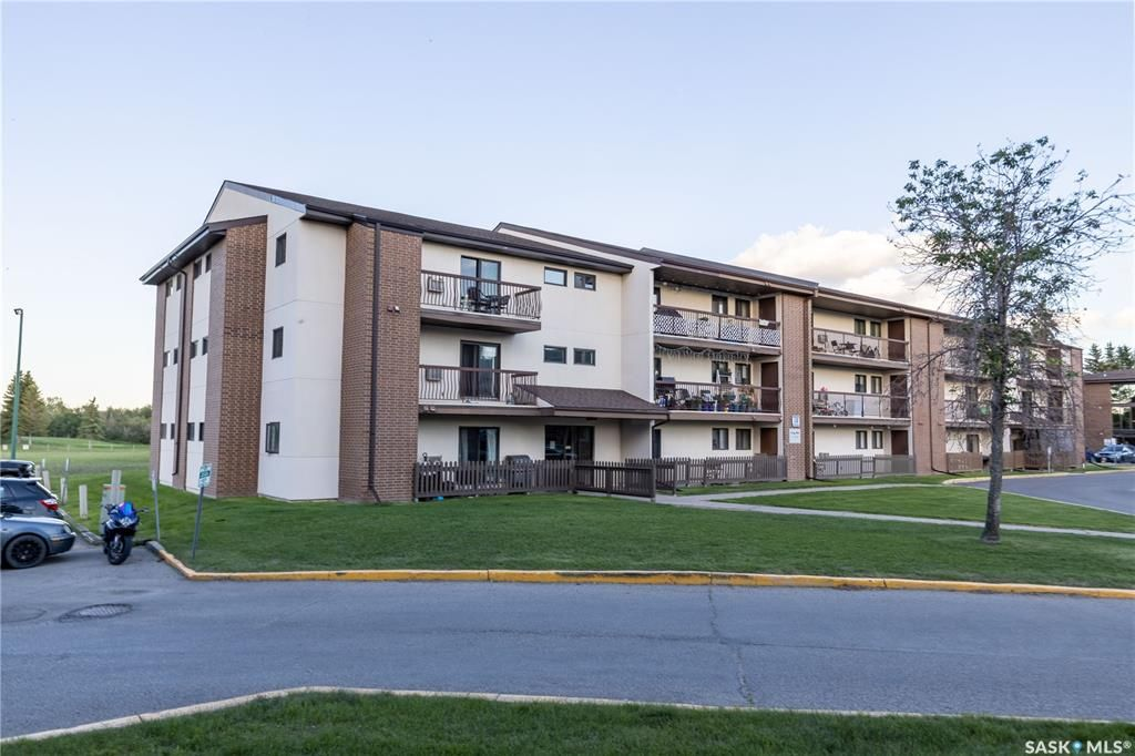 Main Photo: 309 211 Tait Place in Saskatoon: Wildwood Residential for sale : MLS®# SK860461