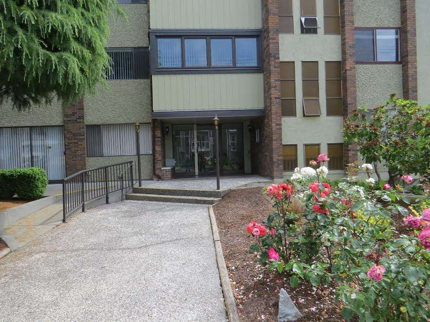 """Main Photo: 102 1320 FIR Street: White Rock Condo for sale in """"The Willows"""" (South Surrey White Rock)  : MLS®# R2114017"""