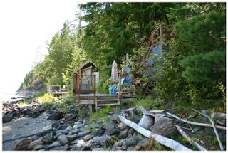Photo 6: 3 Aline Hill Beach in Shuswap Lake: The Narrows House for sale : MLS®# 10152873