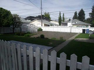 Photo 2: 1430 43 Street SW in CALGARY: Rosscarrock Residential Detached Single Family for sale (Calgary)  : MLS®# C3525905