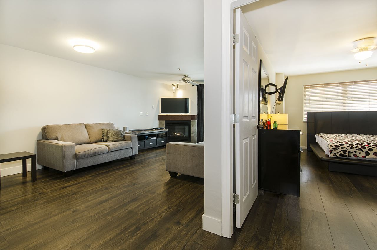 Main Photo: 201 3319 KINGSWAY in : Collingwood VE Condo for sale : MLS®# R2168685