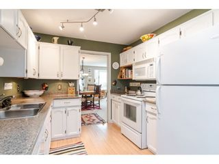 """Photo 8: 805 9139 154 Street in Surrey: Fleetwood Tynehead Townhouse for sale in """"Lexington Square"""" : MLS®# R2431673"""
