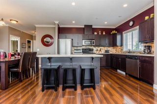 Photo 8: 401 20281 53A AVENUE in Langley: Langley City Condo for sale : MLS®# R2297703