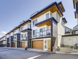 """Photo 21: 14 2825 159 Street in Surrey: Grandview Surrey Townhouse for sale in """"Greenway"""" (South Surrey White Rock)  : MLS®# R2488703"""