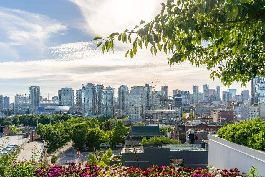 Main Photo: 910 189 KEEFER Street in Vancouver: Downtown VE Condo for sale (Vancouver East)  : MLS®# R2590148