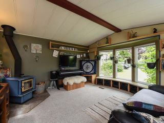 Photo 3: 2550 COPPERFIELD ROAD in COURTENAY: CV Courtenay City Manufactured Home for sale (Comox Valley)  : MLS®# 790511