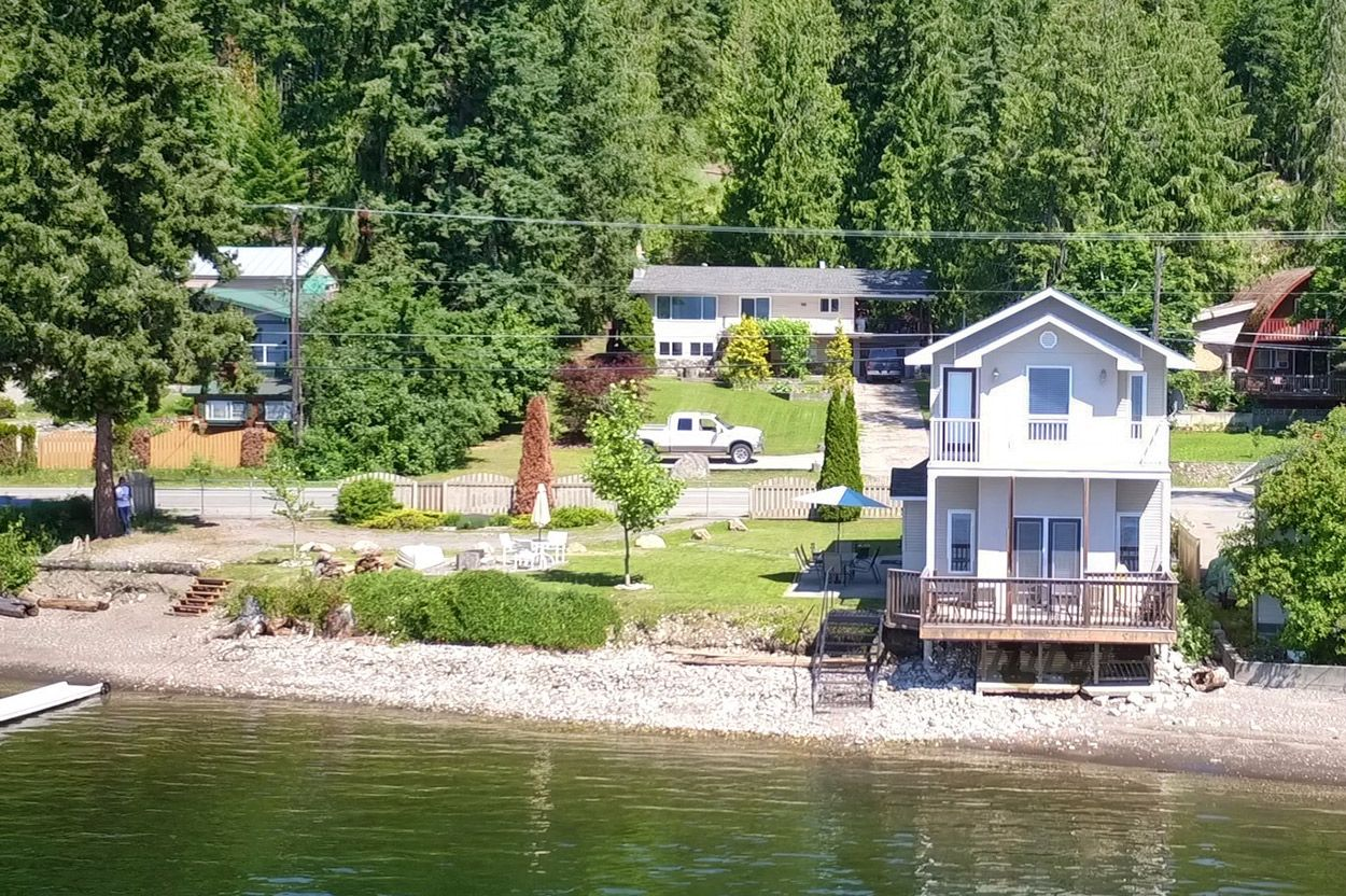 Photo 3: Photos: 2022 Eagle Bay Road: Blind Bay House for sale (South Shuswap)  : MLS®# 10202297