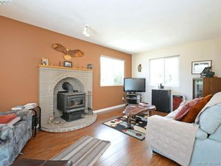 Photo 7: 3053 Chantel Pl in VICTORIA: Co Hatley Park House for sale (Colwood)  : MLS®# 766180