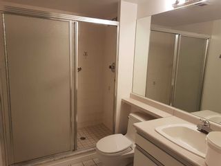 Photo 15: 515 11 Thorncliffe Park Drive in Toronto: Thorncliffe Park Condo for sale (Toronto C11)  : MLS®# C4990593
