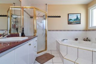 Photo 14: 14716 90 Avenue in Surrey: Bear Creek Green Timbers House for sale : MLS®# R2323747