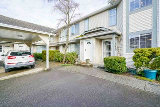 """Photo 4: 7 5760 174 Street in Surrey: Cloverdale BC Townhouse for sale in """"Stetson Village"""" (Cloverdale)  : MLS®# R2559810"""