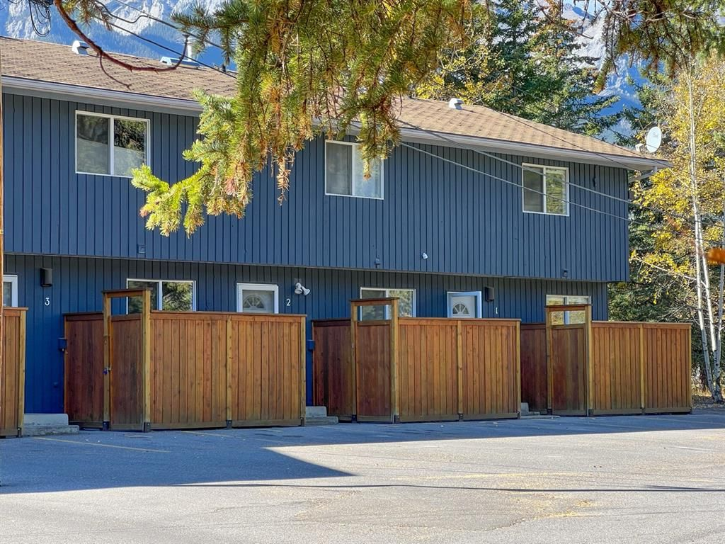 Main Photo: 1 1530 7 Avenue: Canmore Row/Townhouse for sale : MLS®# A1151900