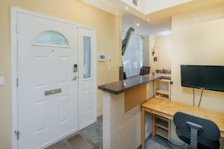 """Photo 11: 105 928 RICHARDS Street in Vancouver: Yaletown Townhouse for sale in """"SAVOY"""" (Vancouver West)  : MLS®# R2188687"""