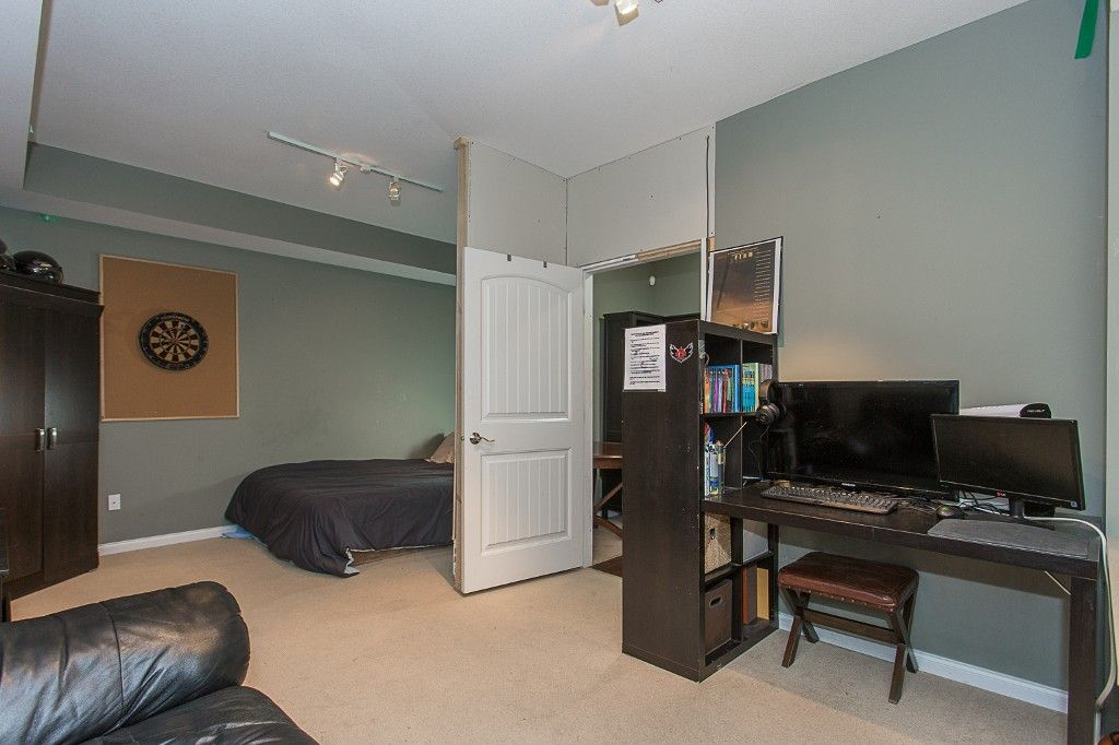 "Photo 42: Photos: 6 6785 193 Street in Surrey: Clayton Townhouse for sale in ""MADRONA"" (Cloverdale)  : MLS®# R2160056"