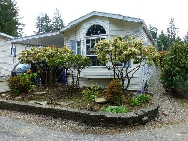 """Main Photo: 26 24330 FRASER Highway in Langley: Otter District Manufactured Home for sale in """"LANGLEY GROVE ESTATES"""" : MLS®# R2264005"""