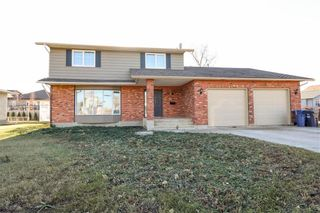 Photo 1: 760 Knowles Avenue in Winnipeg: Algonquin Estates Residential for sale (3H)  : MLS®# 202027355