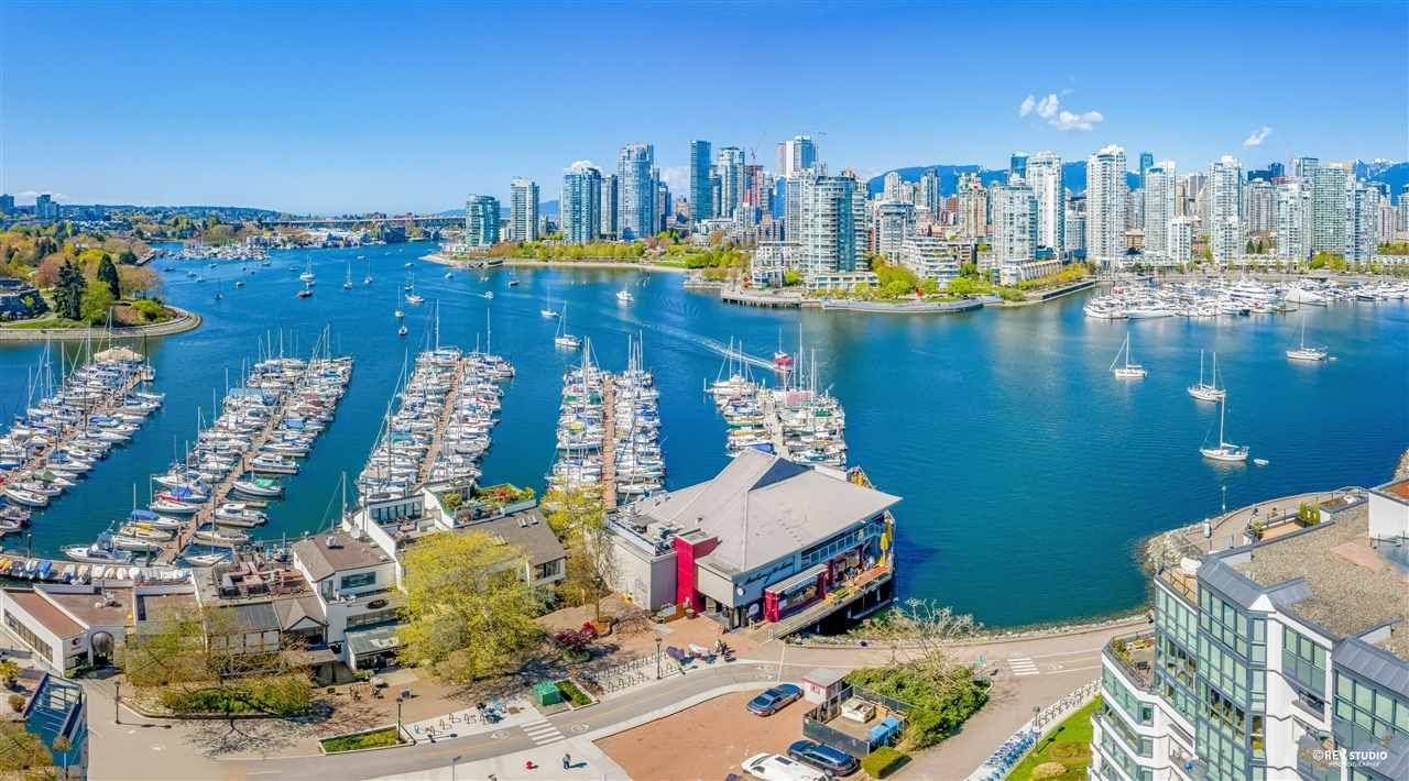 """Main Photo: 201 609 STAMP'S Landing in Vancouver: False Creek Townhouse for sale in """"Stamp's Landing"""" (Vancouver West)  : MLS®# R2571951"""